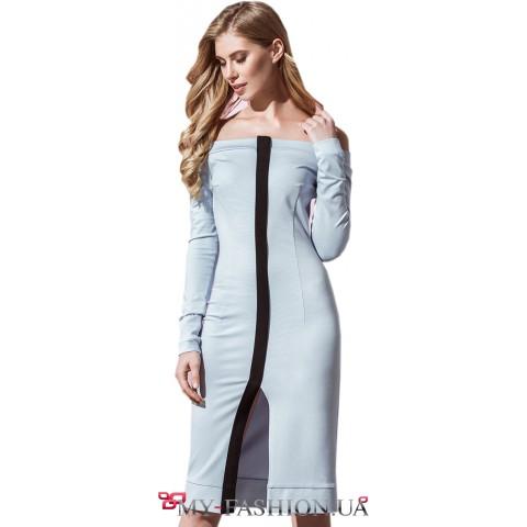 Силуэтное платье нежно-голубого цвета