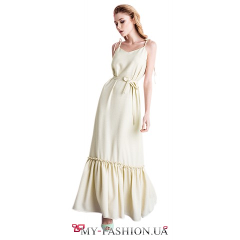 Летнее светло-бежевое платье