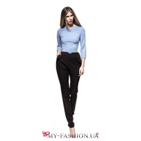 Черные зауженные брюки с завышенной талией
