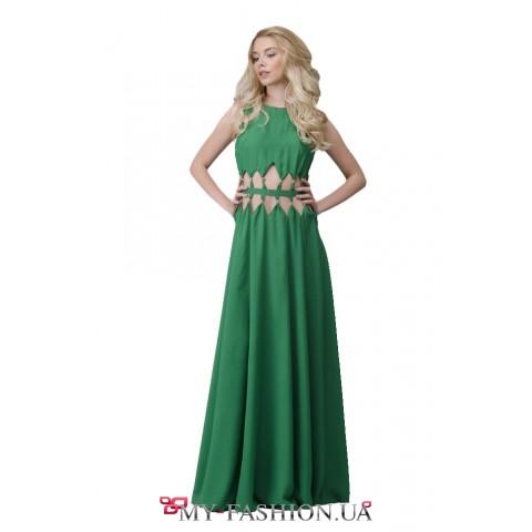 Грациозное платье максимальной длины зелёного цвета