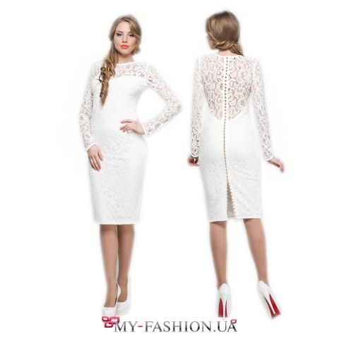 Привлекательное белое вечернее платье с ажурными вставками