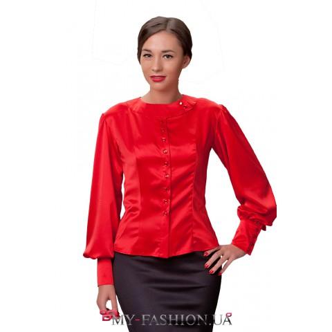 Блуза из красного атласа с расширенными рукавам