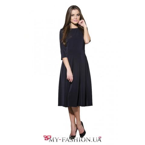 Потрясающее платье тёмно-синего цвета