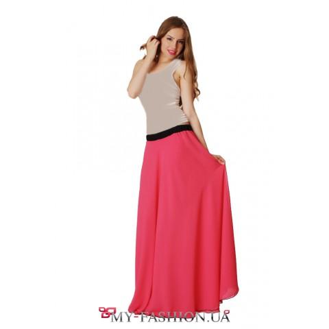 Длинная красная юбка с бархатным поясом