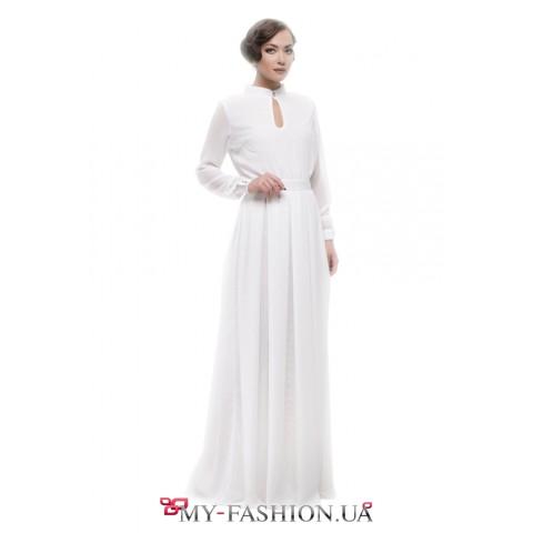 Нарядное белое платье максимальной длины