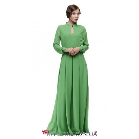 Элегантное длинное платье из лёгкой ткани