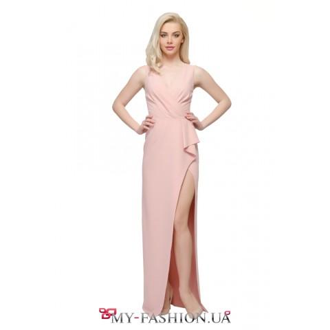 Длинное коктейльное платье нежно-розового цвета