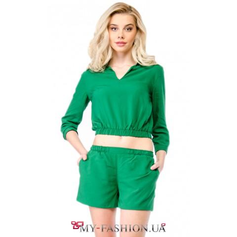 Женский летний костюм зелёного цвета