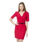 Короткое красное платье с полочкой на запах