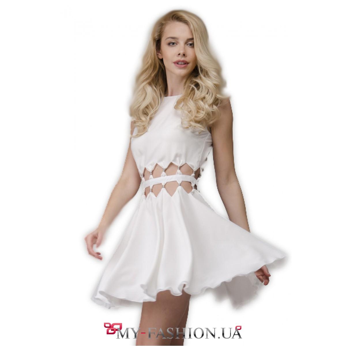 Молочное платье короткое