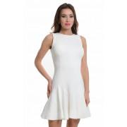 Привлекательное белое платье из трикотажной ткани