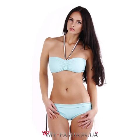 Красивый купальник-бандо нежно-голубого цвета