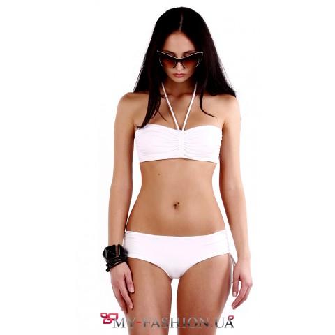 Белый купальник с удобным лифом