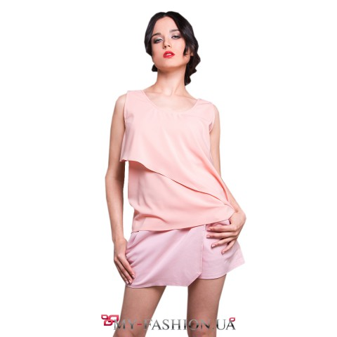 Короткие розовые шорты на запах