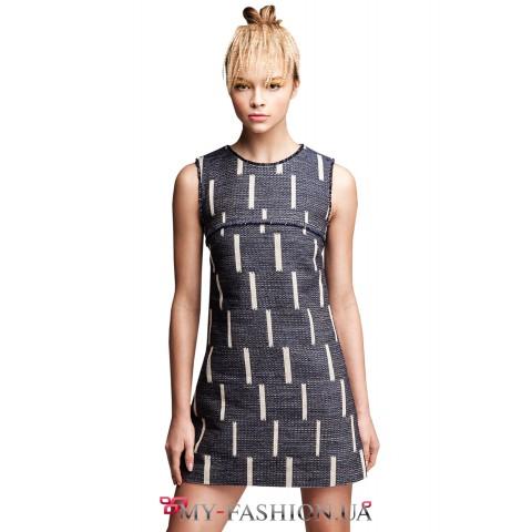 Короткое платье на овальной кокетке