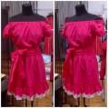 Короткое хлопковое платье малинового цвета