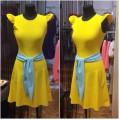 Короткое жёлтое платье с рукавами-крылышки