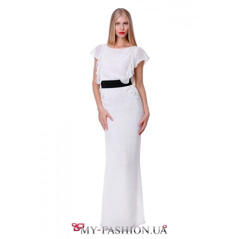 Длинное белое платье под пояс