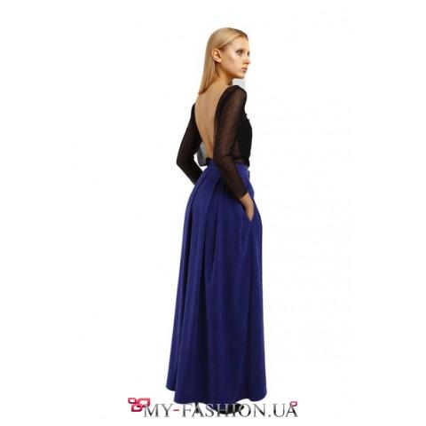 Синяя длинная юбка с карманами в боковых швах