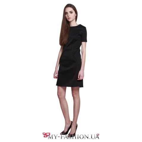 Короткое коктейльное платье чёрного цвета