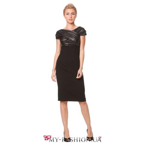 Платье-футляр чёрного цвета с кокеткой из экокожи