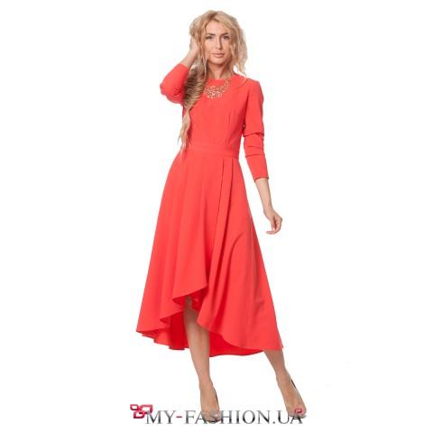 Асимметричное платье красного цвета из костюмной ткани