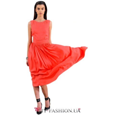 Коралловое платье из тончайшего москрепа