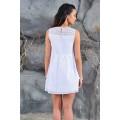 Коктейльное белое платье из французского кружева