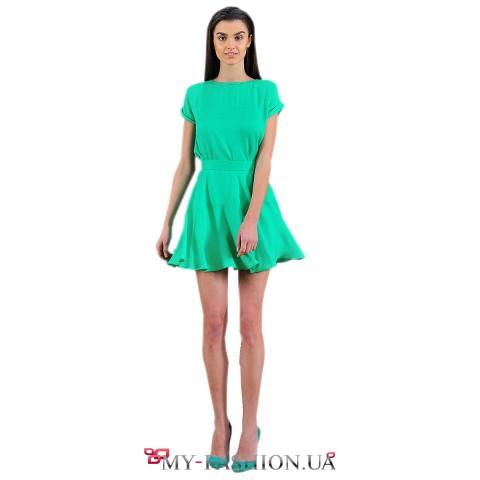 Короткая юбка зелёного цвета