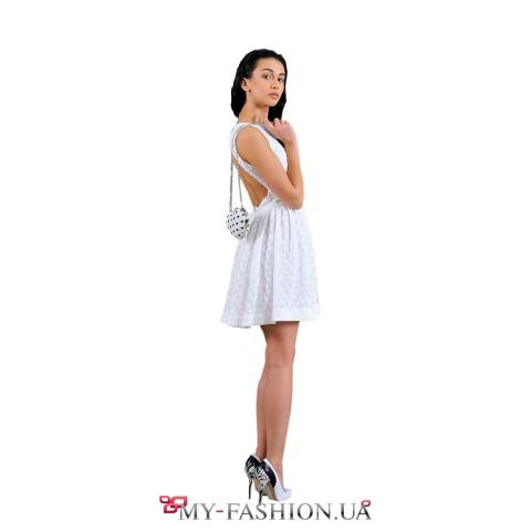 Коктейльное короткое платье молочного цвета