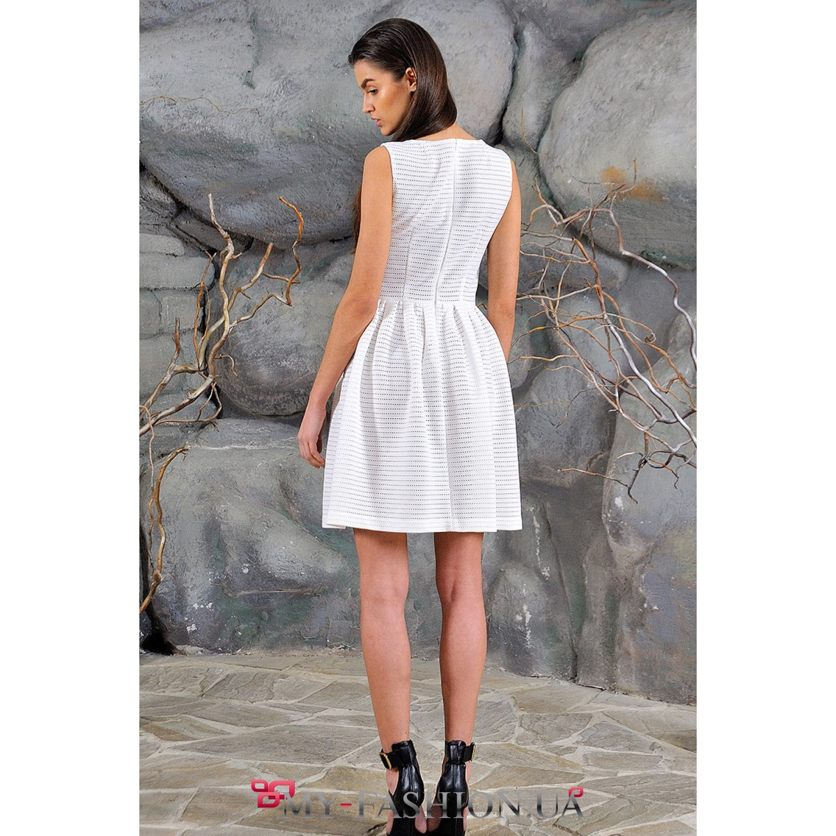 Платье белого цвета доставка