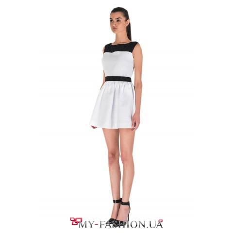 Белое платье с чёрной кокеткой