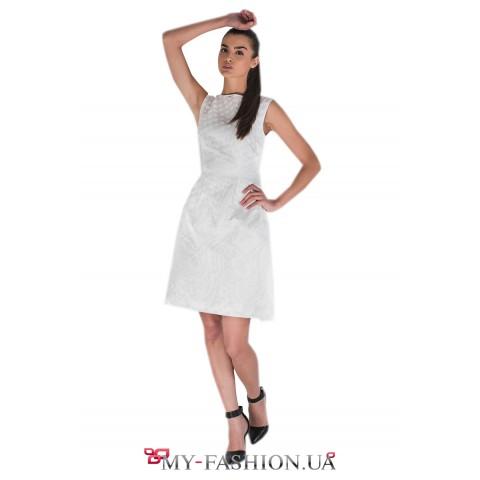 Лёгкое летнее платье белого цвета
