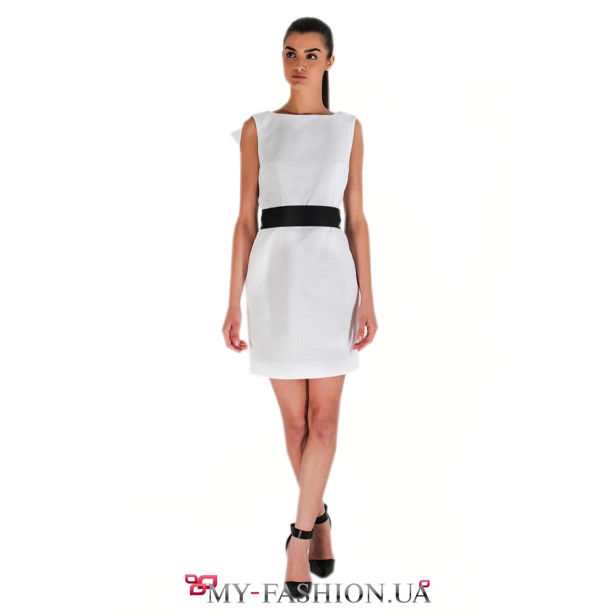 Женские платья белое с черным поясом