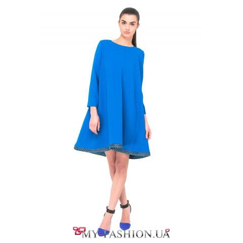 Асимметричное платье василькового цвета