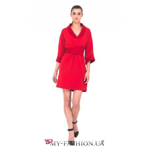 Красное платье в классическом стиле