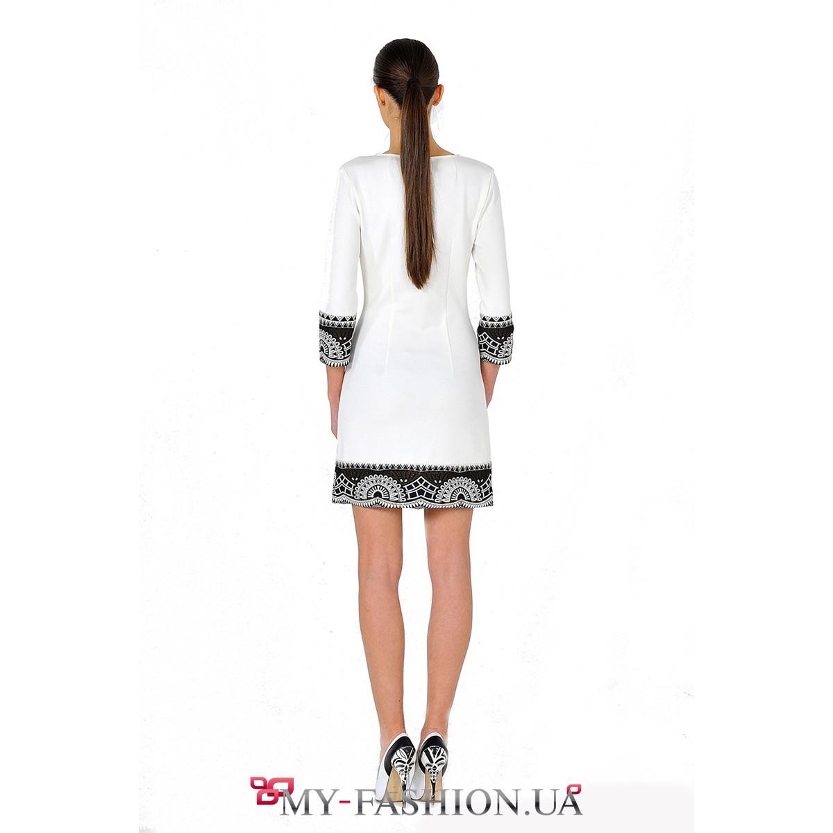 Короткое белое платье
