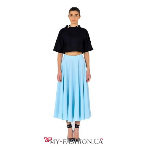 Расклешённая юбка небесно-голубого цвета