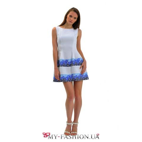 Белое коктейльное платье со вставками