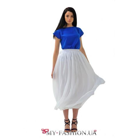 Белая шифоновая юбка средней длины