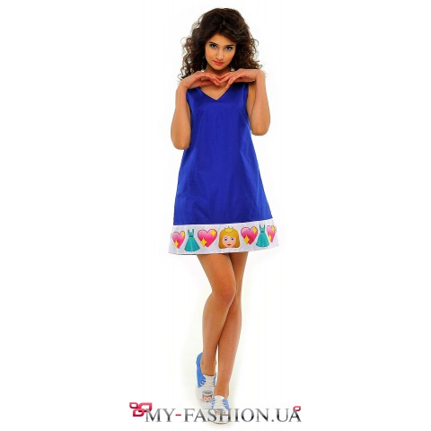 Синее платье-сарафан трапециевидного силуэта