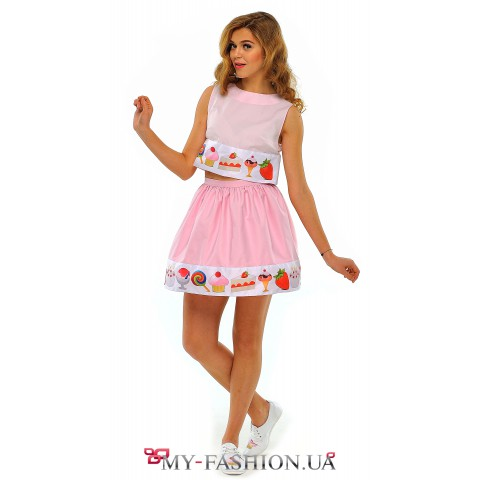 Короткая летняя юбка розового цвета