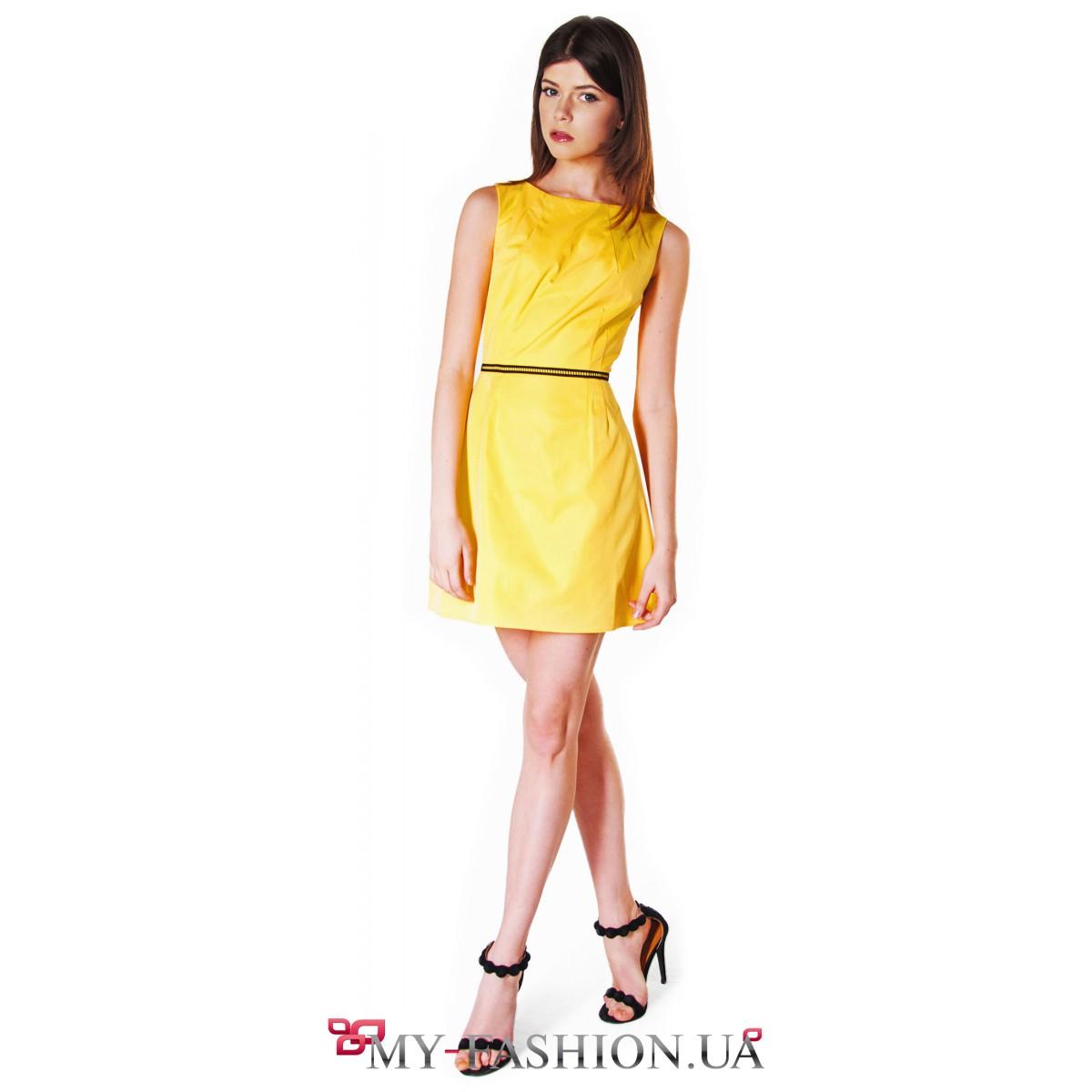 Платье желтого цвета короткое фото