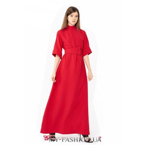 Длинное вечернее платье А-образного силуэта