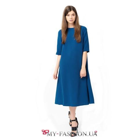 Платье средней длины приятного синего цвета