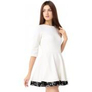 Белое короткое платье из хлопкового полотна