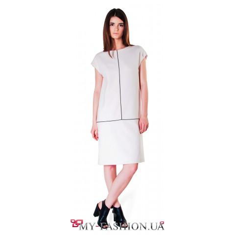 Белое платье прямого силуэта из шерсти