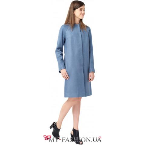 Серо-голубое пальто свободного кроя
