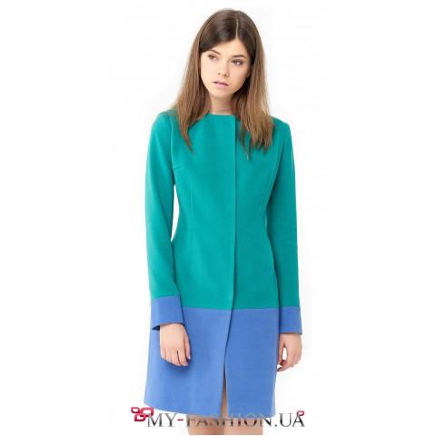 Двухцветное пальто полуприталенного силуэта