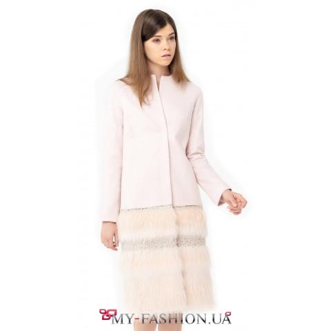 Пальто персиково-розового цвета